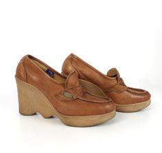 Famolare Platform Shoes Vintage 1970s Wave by purevintageclothing, $48.00