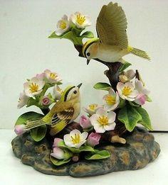 W Fine Porcelain China Diane Japan Flower Vases, Flower Pots, Flower Arrangements, Clay Art Projects, Clay Crafts, Porcelain Jewelry, Fine Porcelain, Porcelain Tiles, Painted Porcelain