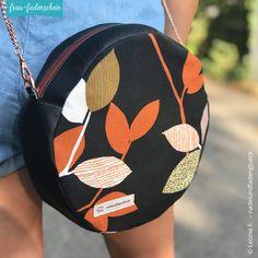 Leather Bags Handmade, Handmade Bags, Circle Purse, Sewing Circles, Diy Handbag, Art Bag, Round Bag, Jute Bags, Bag Patterns To Sew