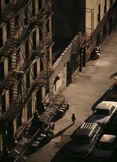 A view of the street.Spanish Harlem: El Barrio in the by Joseph Rodriguez is published by powerHouse Books. The images will be exhibited at the Bronx Documentary Centre in New York until 14 January. New York Photography, Classic Photography, Street Photography, Harlem Nyc, Harlem New York, Tupac Shakur, Bob Dylan, New York Street, New York City