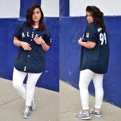 Model: Nadia Aboulhosn - Blouse:Alife - Sneakers: Asos; Pants: H&M - 2015 -  https://www.facebook.com/481248305225854/photos/pb.481248305225854.-2207520000.1451133936./1115547978462547/?type=3