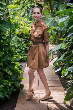 Spring Fashion from @evin with photographer Cristopher Santos / styling by Patricia Heck. For #sisterMAG18 #sistermagfashion #spring #fashion #outfits #18degrees #sandals #militaryblouse #balloonskirt #freepattern #freebie
