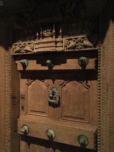 woody door
