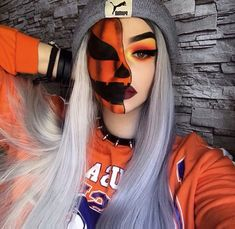 Are you looking for ideas for your Halloween make-up? Browse around this site for creepy Halloween makeup looks. Creepy Halloween Makeup, Amazing Halloween Makeup, Pretty Halloween, Scary Makeup, Ghost Makeup, Halloween Make Up Scary, Halloween Clown, Halloween Inspo, Clown Makeup