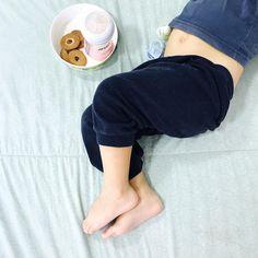 Bom dia  eu estava tentando tirar uma foto do meu café e da minha perna mas aí achei essa mais fofa   Good morning! I was trying to take a picture of my legs and my coffee but I thought this would be cuter