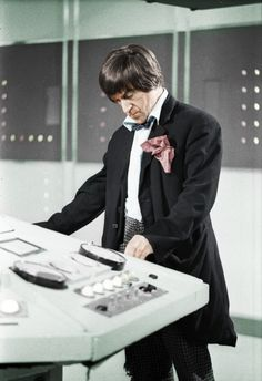 Doctor Who: Patrick Troughton as the second Doctor. Second Doctor, Doctor Who 12th Doctor, Jon Pertwee, William Hartnell, Classic Doctor Who, Sci Fi Tv Shows, Watch Doctor, Classic Series, Peter Capaldi