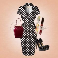 Passing by is not an option... This sassy 50s look will draw all the attention!