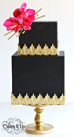 Caking It Up - this looks So effective but black fondant = guests with black mouths. Black Wedding Cakes, Elegant Wedding Cakes, Elegant Cakes, Beautiful Wedding Cakes, Gorgeous Cakes, Pretty Cakes, Amazing Cakes, Gold Wedding, Cupcakes