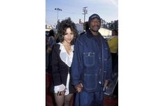 Former In Living Color Fly Girl and actress, Rosie Perez and Tupac, at an awards show in *posted by Hip Hop Fusion Fashion 90s, Hip Hop Fashion, Couture Fashion, Street Fashion, Runway Fashion, Fashion Outfits, Fashion Trends, Las Vegas Valley, 90s Hip Hop
