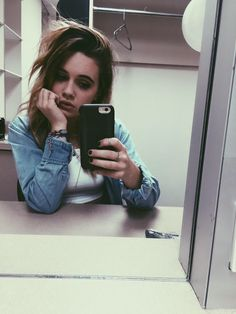 Bea Miller is queen cuz she's a kind,beautiful, talented young woman. And young girl/ woman like that is a queen in my eyes ♡