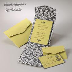 Trouwkaart met gele en grijze decoratie