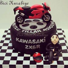 Motorcycle, cake