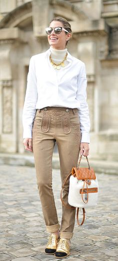 Pin for Later: The Best Street Style From All of Paris Fashion Week Paris Fashion Week, Day 8 Helena Bordon. Fashion Week Live, Fashion Week 2016, Star Fashion, Paris Fashion, Fashion News, Woman Fashion, Spring Street Style, Street Style Looks, Cool Street Fashion