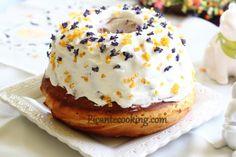 Кулич с пуншевой пропиткой (Baba ponczowa) Croissant, Sweet Desserts, I Love Food, Doughnut, Sweets, Healthy Recipes, Breakfast, Cake, Recipes