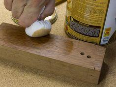 Como fazer boneca para envernizar madeira