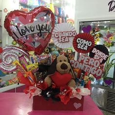Creaciones Dencantos C. Valentines Gift Box, Valentines For Kids, Candy Bouquet, Balloon Bouquet, Valentine's Day Gift Baskets, Balloons And More, Chocolate Bouquet, Valentine Decorations, Birthday Presents