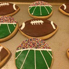 Football Season Royal Icing Sugar Cookies by @cookiesbykatewi #football #stadium #sprinkles #nfl #cookiedecoration