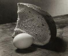 Still Life With Bread and Egg, 1952 © Josef Sudek Still Life 2, Still Life Photos, Be Still, Still Life Photography, Artistic Photography, Art Photography, Josef Sudek, Hyper Realistic Paintings, Found Art