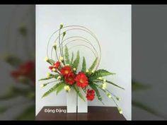 Nghệ Thuật Cắm Hoa Siêu Đẹp 2 - YouTube Modern Floral Arrangements, Creative Flower Arrangements, Flower Arrangement Designs, Church Flower Arrangements, Ikebana, Leaf Design, Floral Design, May Designs, Arte Floral