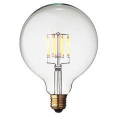 Посрещнете бъдещето на диодните крушки! Последно поколение LED G125 енергийно ефективна глобус крушка в типичен ретро стил и подходяща за всеки един интериор. Напълно димируема и съвместина със стандартен цокъл Е27.