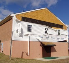 We can help with Windstorm damage claims.  www.woodlynschwartz.com