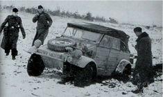 Kübelwagen pendant la bataille des Ardennes.