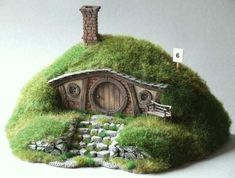 However if we were to mention any core reason than that reason would be that the Fairy Garden, makes your garden look beautiful and eye catching. miniature garden Awesome Ideas- How To Make Your Own Fairy Garden! Fairy Crafts, Garden Crafts, Garden Art, Garden Ideas, Garden Types, Garden Table, Garden Design, Fairy Garden Houses, Gnome Garden