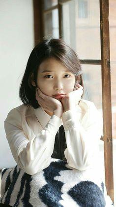 아이유짱 : iumushimushi: IU - Through the Night MV Filming. Cute Korean, Korean Girl, Asian Girl, Iu Twitter, Korean Actresses, Korean Celebrities, Korean Outfits, Ulzzang Girl, Korean Singer