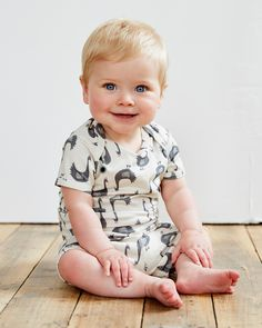 Like Comment 57 likes brokentricycleLook at that smile! Looking great in our little geece! #casting #goose #infantstyle #babystyle #summerstyle #baby #babywear #babystyle #babygirl #kidsstyle shop www.brokentricycle.com