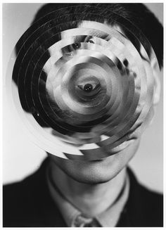 Kensuke Koike adds nothing and takes away nothing from the portraits he alters—just rearranges the parts. Experimental Photography, Photography Collage, Art Photography, Photo Art, Portrait Photography, Photoshop, Surrealism, Surreal Portrait, Portrait
