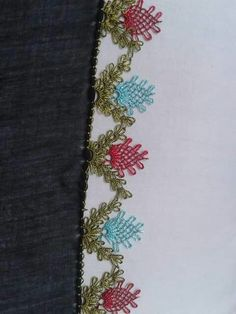 This Pin was discovered by Zeh Crochet Edging Patterns, Crochet Borders, Needle Lace, Needle And Thread, Crochet Unique, Lacemaking, Handicraft, Needlepoint, Tatting