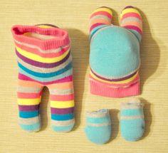 Sock Bunny, Bunny Toys, Spring Crafts For Kids, Diy Crafts For Kids, Sewing Patterns Free, Free Sewing, Sock Crafts, Yarn Crafts, Ho Baby