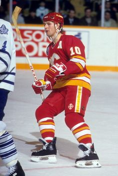 Gary Roberts of the Calgary Flames skates on the ice during an NHL game against the Toronto Maple Leafs on December 11 1992 at the Maple Leaf Gardens...
