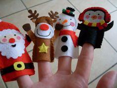 Felt Set of 4 Christmas Finger Puppets. Penguin por MakeStitchKnit