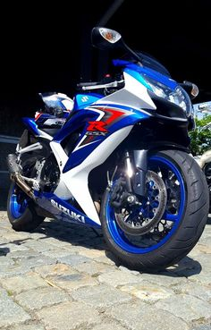 Suzuki gsx r 600 Suzuki Motorcycle, Yamaha Motorcycles, Suzuki Bikes, Suzuki Gsx R, Suzuki Superbike, Motorised Bike, Bmw Autos, Biker Gear, Gsxr 600