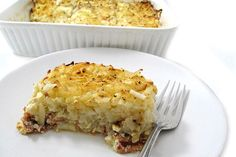 Perfect for the weekend: Skinny Hash Browns, Bacon and Eggs Breakfast Casserole. All breakfast foods in one hearty, super delicious dish! Each serving, 230 calories, 4g fat & 6 Weight Watchers POINTS PLUS. http://www.skinnykitchen.com/recipes/skinny-hash-browns-bacon-and-eggs-breakfast-casserole/