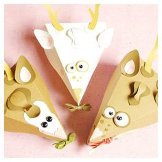 pie slice gift box in the form of a deer head