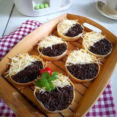 20 Resep makanan untuk dijual, murah, enak, dan simpel berbagai sumber Indonesian Desserts, Indonesian Food, Indonesian Recipes, Brownie Desserts, Snack Recipes, Dessert Recipes, Cooking Recipes, Snacks, Cute Food