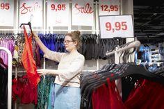 Kärsimme vaateähkystä. Miksi ostamme vaatteita kuin ruokaa?