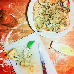 Pizza met peer, witlof & blue stilton | hoge hakken