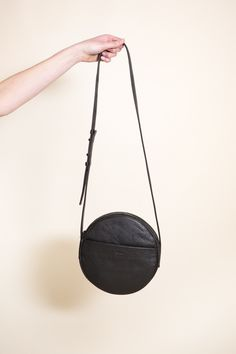 Baggu Circle Purse   Black Leather Minimalist Bag 757f7027683a7