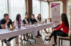 Róth Hajnalka Ezerjó szép válogató Leírás: Idén második alkalommal került megrendezésre a móri Ezerjó szépe verseny. A fotó az elődöntőn készült, ami után a lányokra több felkészítő program vár, valamint a döntőre október 14-én kerül sor. Több kép Hajnalkától: https://www.facebook.com/nalkaroth/