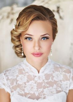 hair styles for curly hair hair styles for the bride for wedding hair hair with flower wedding hair dos hair styles medium hair bridesmaid hair pins Vintage Hairstyles, Pretty Hairstyles, Vintage Updo, Wedding Vintage, Trendy Wedding, Wedding Ideas, Vintage Makeup, Elegant Wedding, Elegant Hairstyles