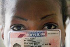 En France, un étranger peut bénéficier d'une carte de résident de dix ans, sous certaines conditi...