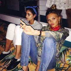 Taylor Hill & Romee Strijd - The perennial go-to for off-duty models, a cool-kid topknot always does the trick. Try it with a bandanna headband à la Taylor or with some face-framing wispies like Romee.
