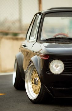 BMW 2002 | Gold BBS...