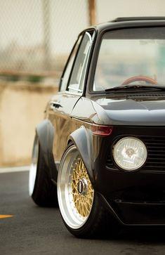 BMW 2002 | Gold BBS...