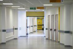 Resultado de imagem para hospital corridor