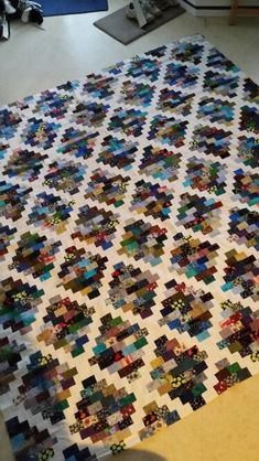 Scrap-Basket Bounty - 16 Single-Block Quilts That Make Your Scraps Shine Bargello Quilts, Lap Quilts, Scrappy Quilts, Quilt Block Patterns, Quilt Blocks, Quilting Projects, Quilting Designs, String Quilts, Square Quilt