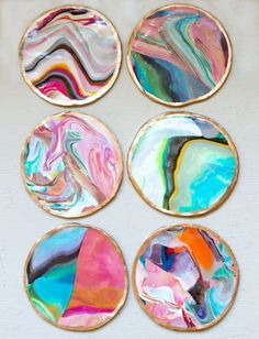 Mix different colors of clay to make these DIY marbled coasters. 《 pinterest // @ninabubblygum
